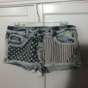 NWOT American flag jean shorts!
